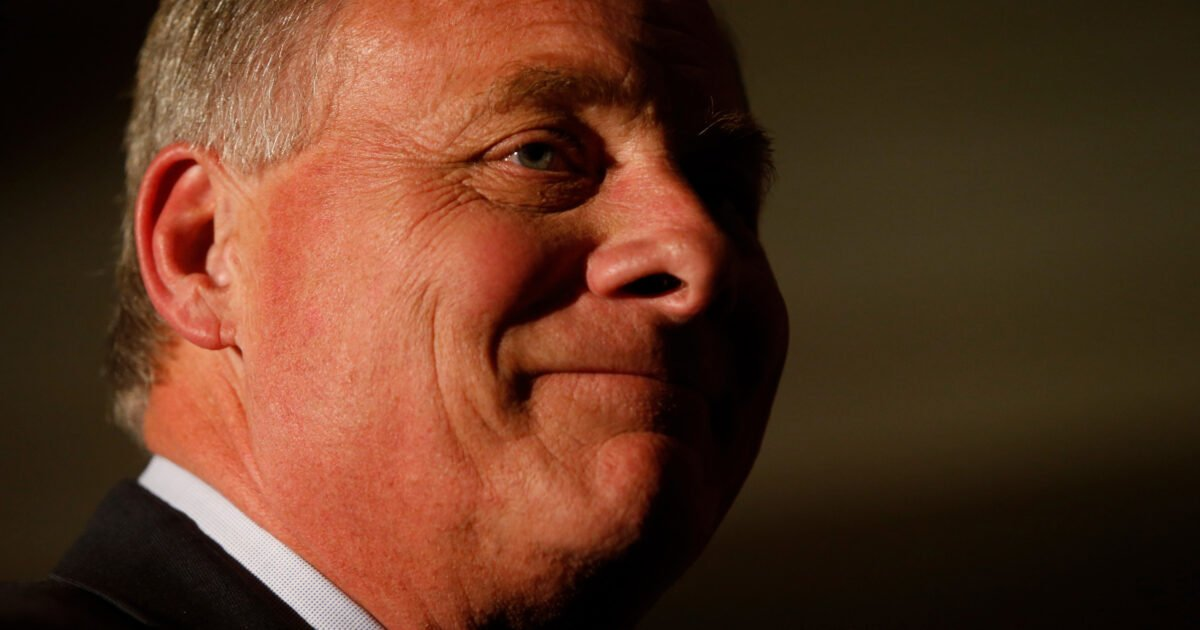 Senator Richard Burr Sold D.C. Townhouse to Donor at a Rich Price