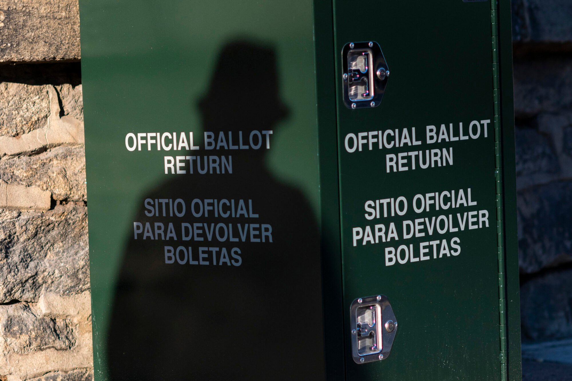 How to Spot (and Fight) Election Misinformation