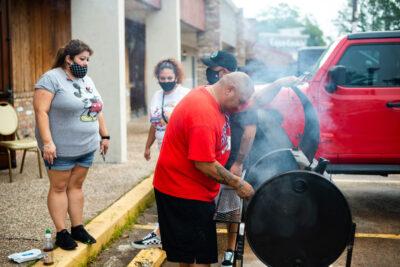 El COVID-19 golpea Texas y los hispanos son quienes más mueren 8